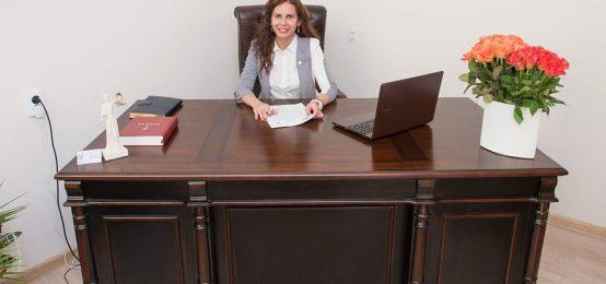 Esti o persoana in varsta si vrei sa inchei un contract de intretinere? Notar public Andra Alina Olarean iti detaliaza toate aspectele ce tin de incheiere unui contract de intretinere.