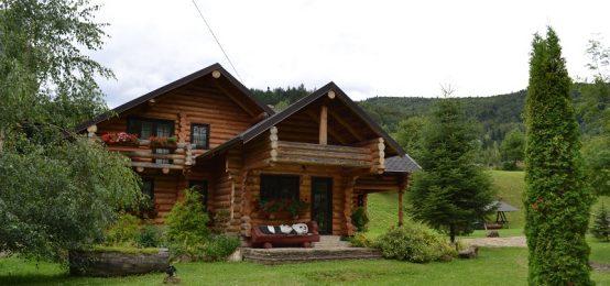 Constructii din busteni – case, terase, foisoare, acoperisuri si sarpante | Cabane Sucevita | Cazare
